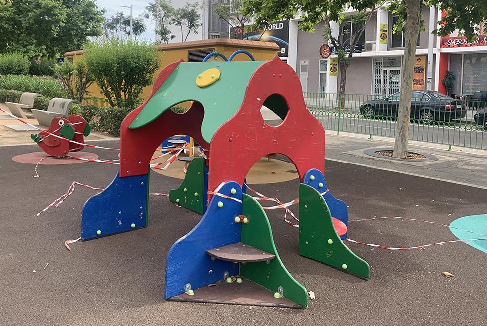 Torrent cierra parques infantiles, bibliotecas e instalaciones deportivas