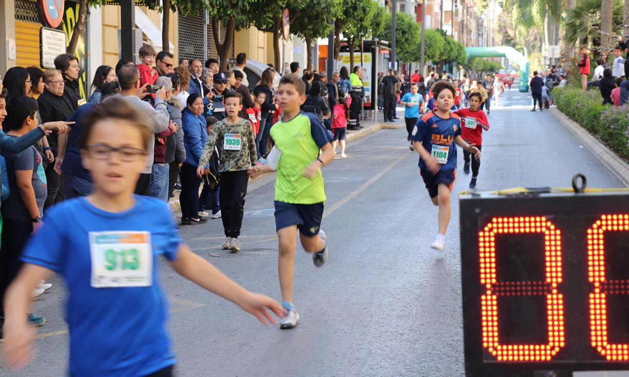 Miles de niños participan en la Carrera Escolar de Caixa Rural