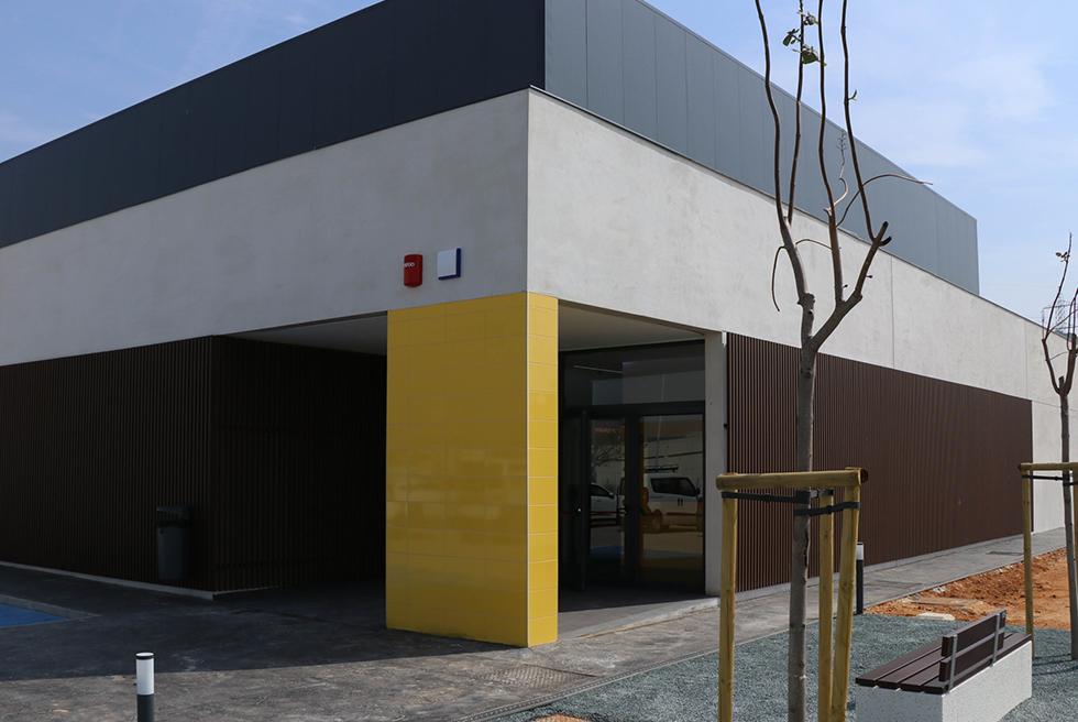 En marcha el nuevo pabellón polideportivo del Toll i l'Alberca