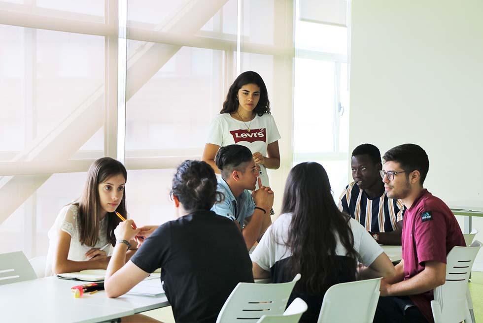 El Centro de Información Juvenil comienza su taller de inglés