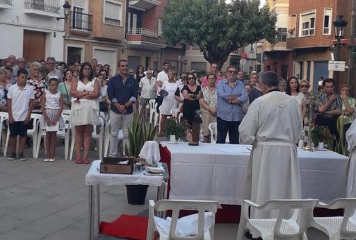 La eucaristía en honor a Sant Roc se traslada de la placeta a la parroquia de la Asunción