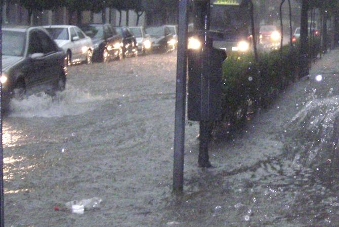 El Ayuntamiento suspende las clases ante el riesgo extremo de fuertes lluvias