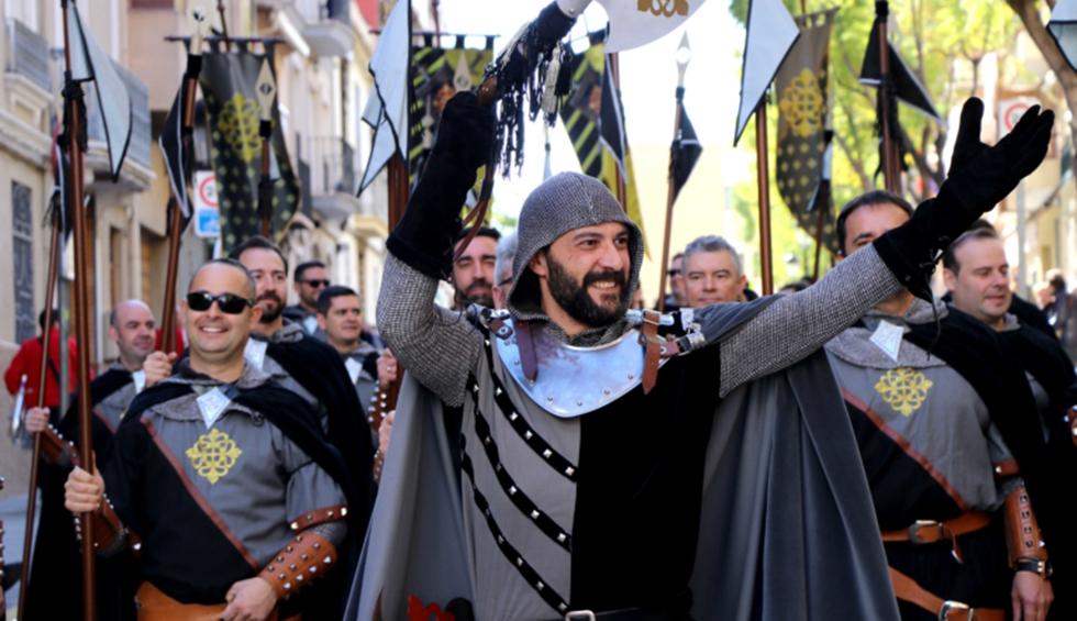 Los Moros y Cristianos volverán en batallón y con mascarilla