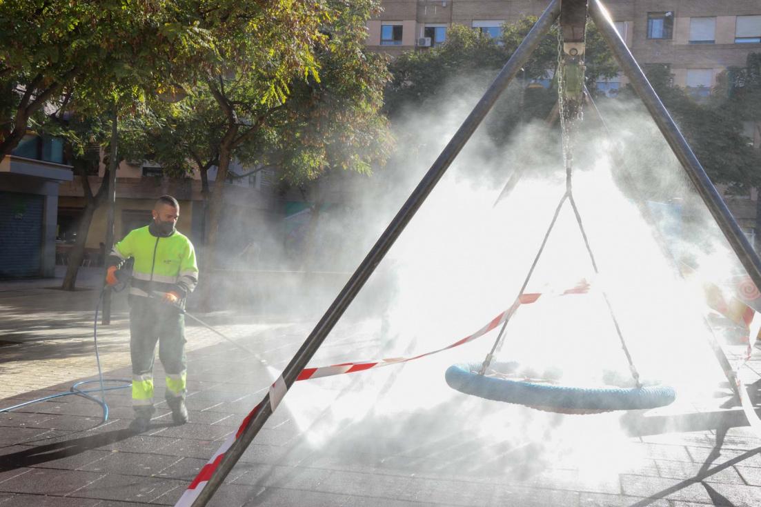 Es duplica el personal del servei neteja i desinfecció de la ciutat