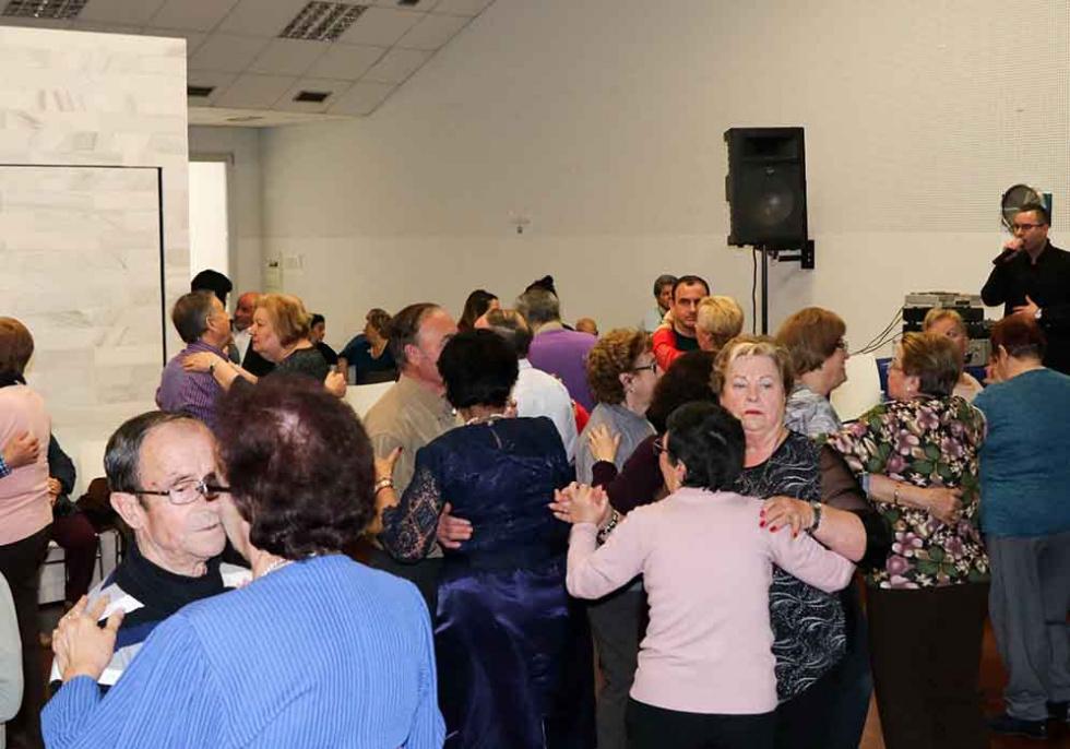 El centre de Majors Bellido celebra el ball de Sant Valentín