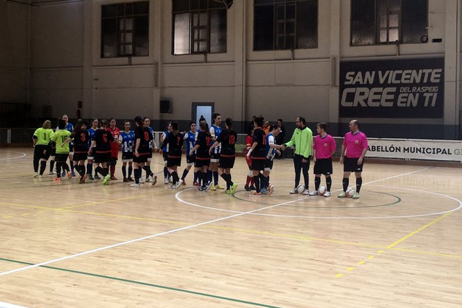 Els tres gols de Neus donen la victòria a l'Hispànic