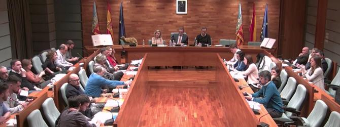 El Ple aprova sol·licitar a Conselleria una nova Escola d'Adults