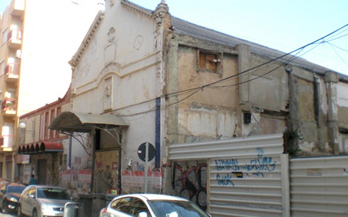 L'Ajuntament rehabilitarà el Cine Cervantes per a convertir-lo de nou en teatre
