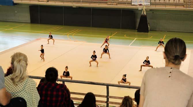 Exhibició de gimnàstica rítmica i lliurament de trofeus dels jocs escolars