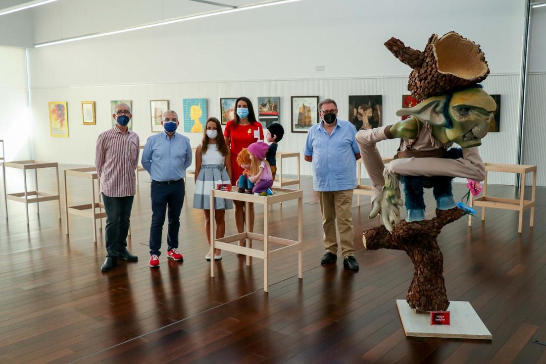 L'Antic Mercat acull l'exposició de temàtica fallera de l'artista torrentíPaco Gascó