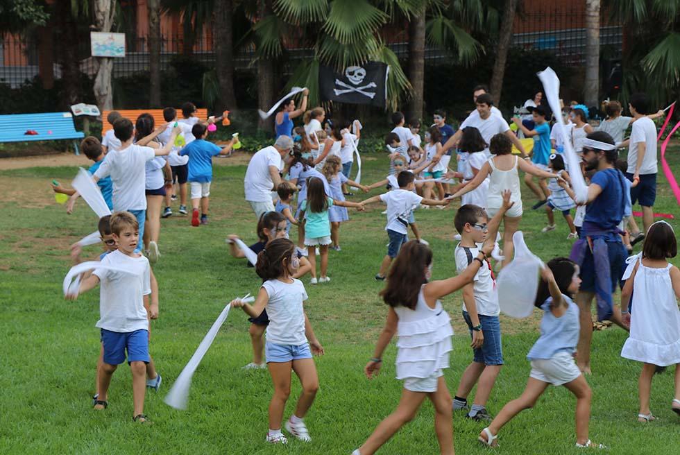 L'Escola d'Estiu de Cucurucú Teatre representa Mediterrània el nostre crit!