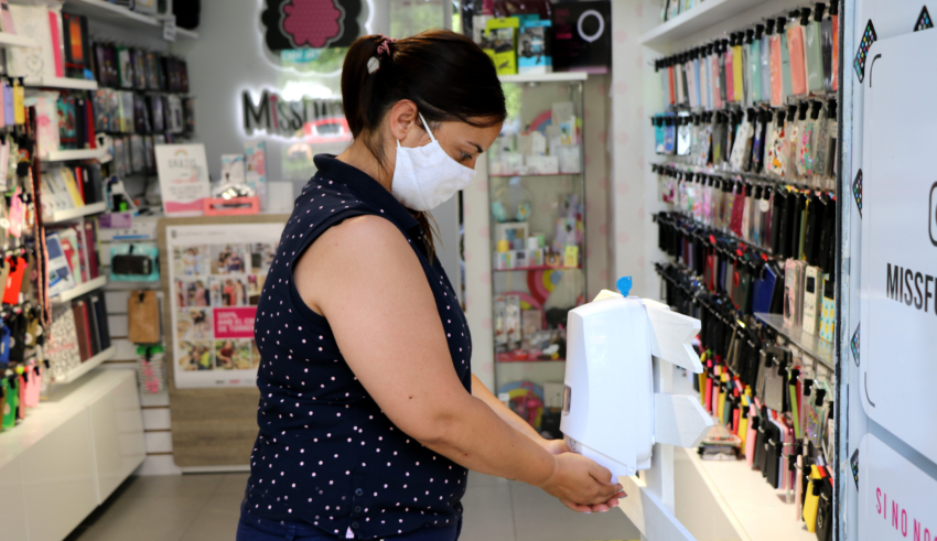 Les empreses poden sol·licitar  ajudes de fins a 200 € per a la compra de material sanitari o actuacions higièniques