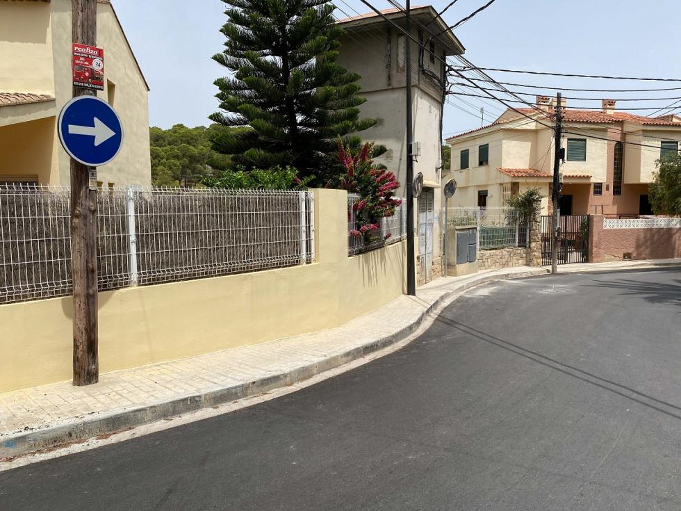 L'Ajuntament millora l'asfaltat del carrer Sant Rosa de Lima