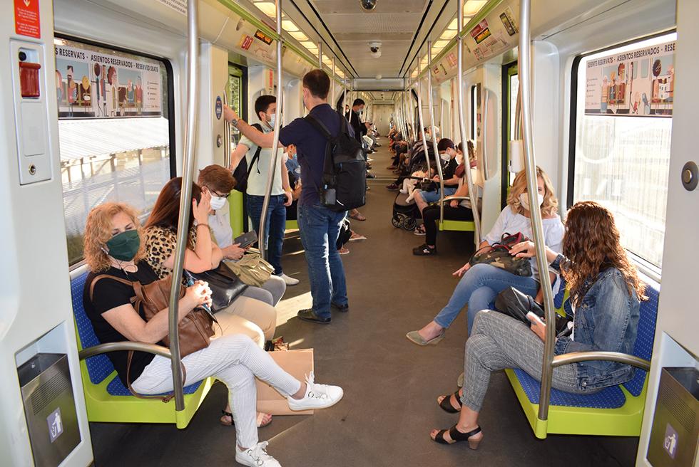 L'ús del metro baixa prop d'un 59%  el mes de juny respecte a l'any del 2019