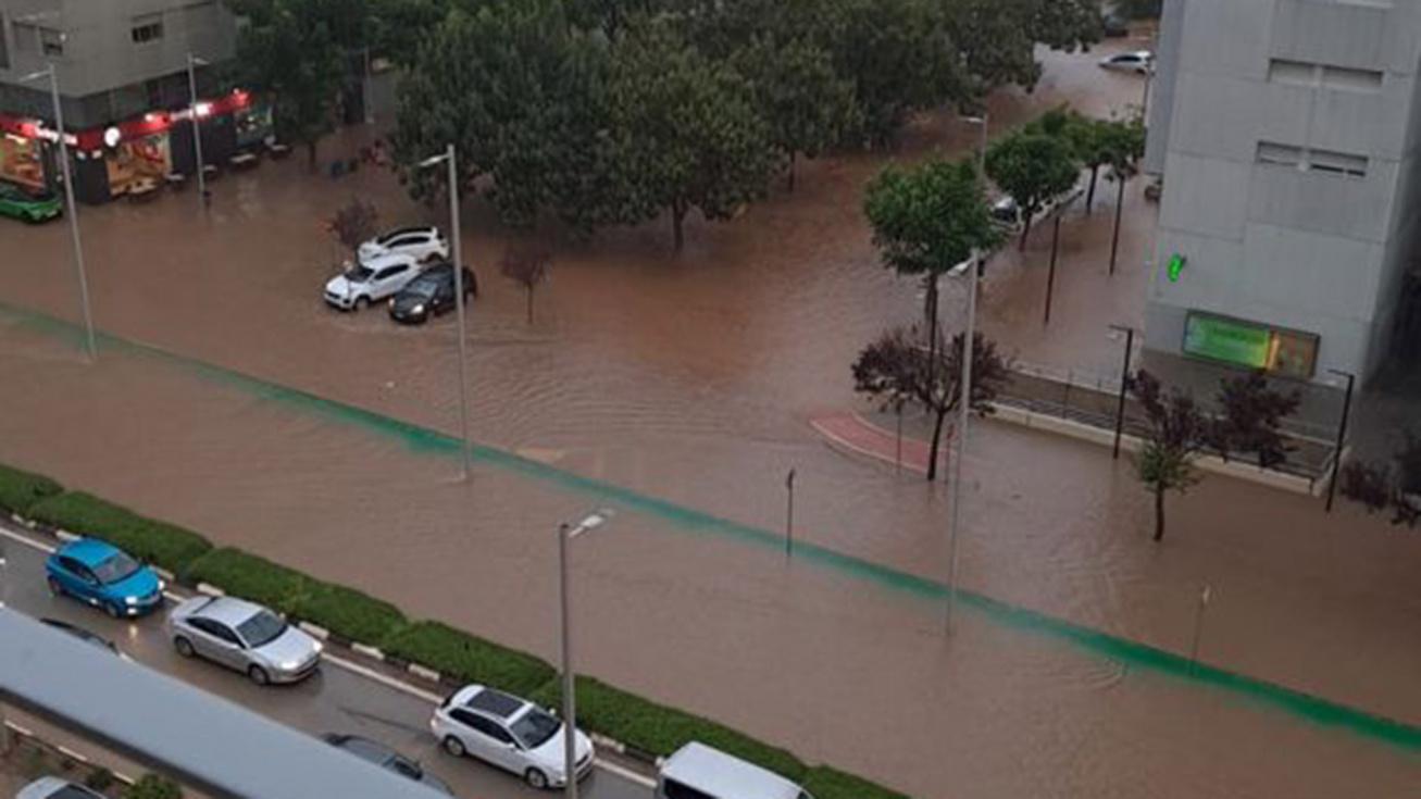 Torrent torna a inundar-se amb una nova tempesta torrencial que deixa més de 50 litres