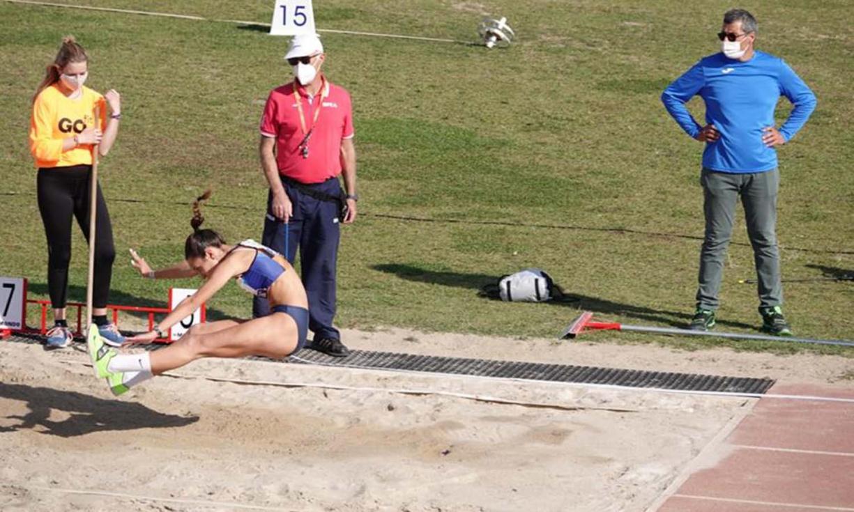 Claudia Rubio, subcampiona d'Espanya juvenil en triple salt