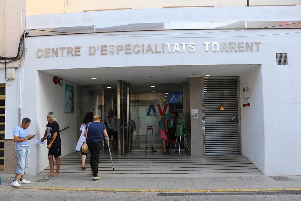 Generalitat repren les obres del nou servei de TAC donat per Amancio Ortega