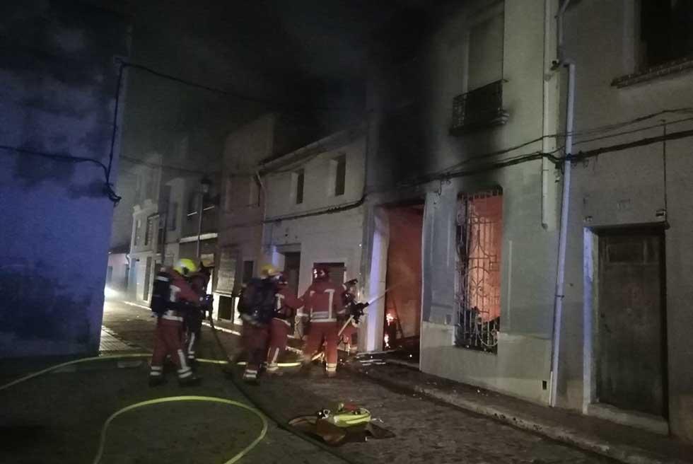Els bombers alerten de l'augment d'incendis en vivendes en hivern
