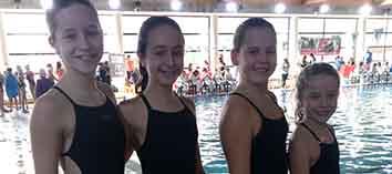 Claudia Planells lidera la categoria aleví de natació artística