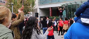 Torrent celebra el dia de la infància amb una festa