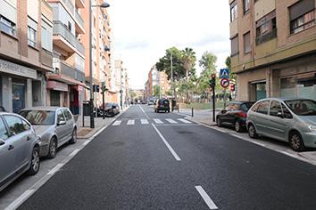 Obert al trànsit el carrer Camí Reial després de més d'un any d'obres