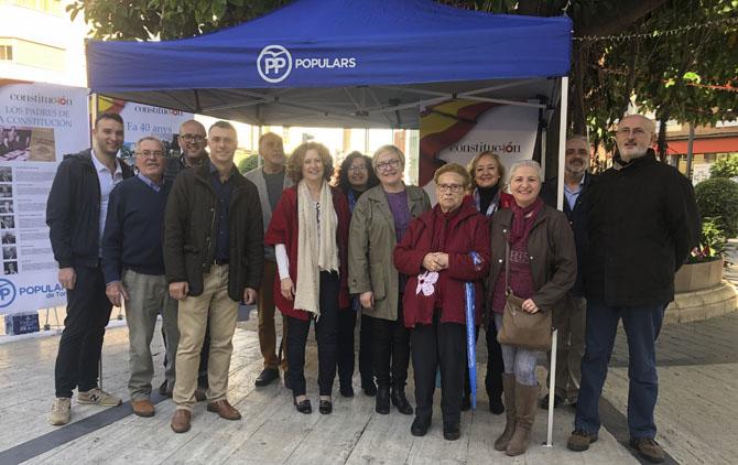 El PP de Torrent celebra el 40 Aniversari de la Constitució amb una exposició en el carrer
