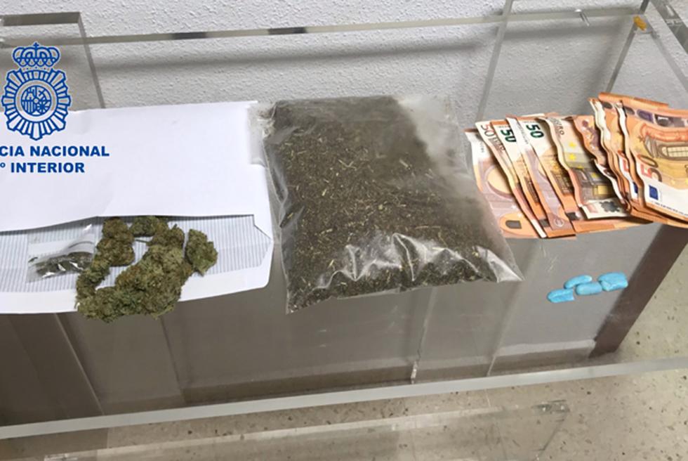La Policia Nacional deté a una parella per traficar amb marihuana sintètica